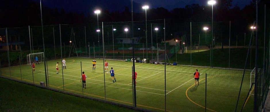 Illuminazione campi da tennis-calcetto di Fisterre